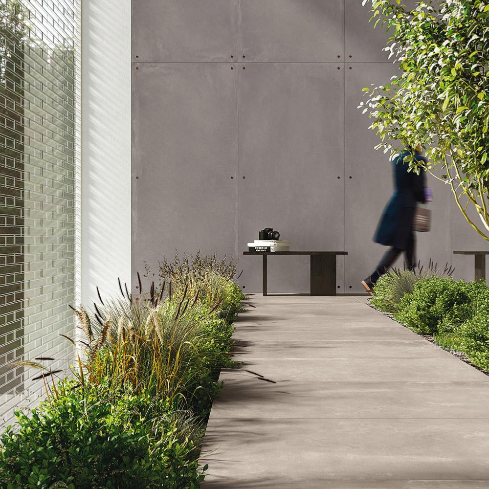 Beton Cire Exterieur Avis carrelage extérieur imitation béton ciré 60x120 cg greige bouchardé  rectifié, collection azuma imola