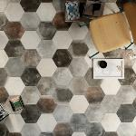 Carrelage sol hexagonal effet carreaux de ciment 24x27,7 Pitch Black Naturel, collection Miami Cir